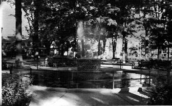 Many Medina residents still remember this fishpond equipped with revolving colored lights which at one time stood in the center of the park. It was donated by the civic minded Freda Snyder, owner of Medina Farmers' Exchange and was removed in 1976 to make way for the gazebo.